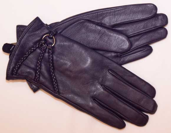 Modisch flotter Damenhandschuh in pflaume